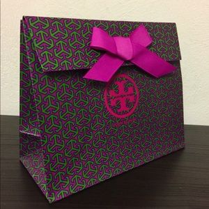 ⭐️ Tory Burch Gift Bag